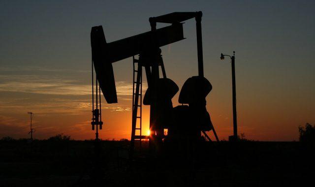 REGNUM Нефть: напряженность не спадает